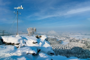Wetterfahne im Winter