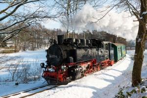 99 1777-4 im winterlichen Lößnitzgrund